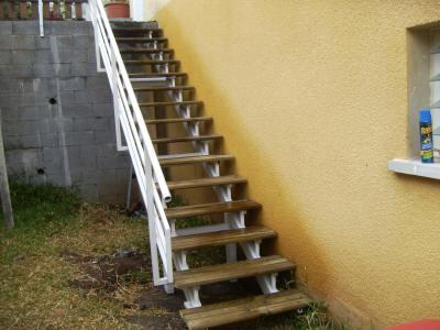 Ferronnerie d 39 art la r union au juste prix for Prix escalier exterieur bois