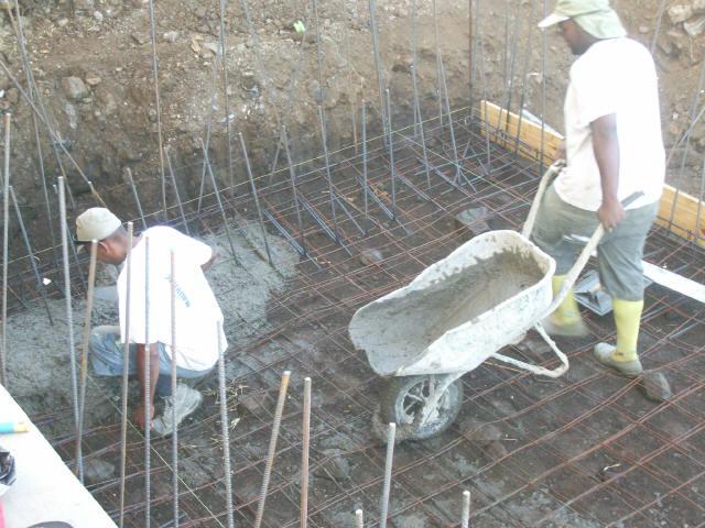 Comment construire sa piscine carrel e garantie vie - Faire sa piscine en beton ...